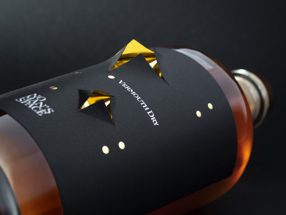 spazio-di-paolo-packaging-spirit-label-award-design-gin-brand-breeder-no-mans-space-6